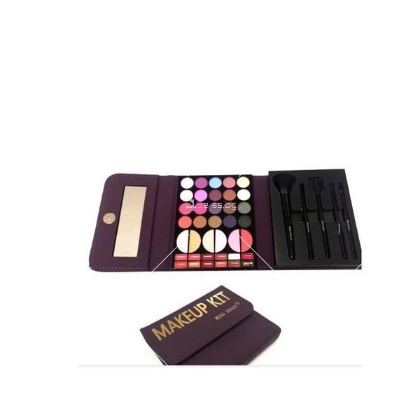 Комплект гримове Miss Doozy Makeup Kit 3
