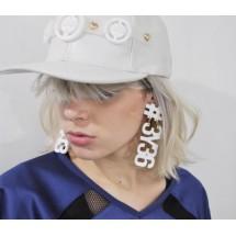 Модни обеци със символи в бял цвят А9