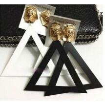 Масивни обеци триъгълници със закопчалка фараон А12