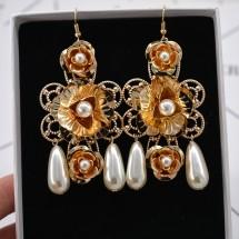 Перлени обеци в стила на Барок А29
