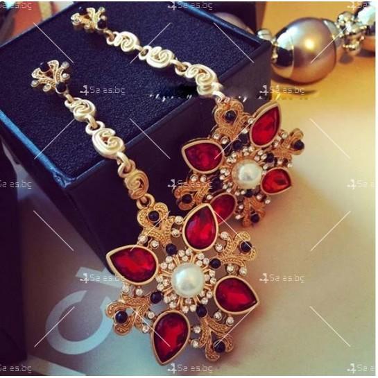 Дамски обеци с висулка от червени кристали А50