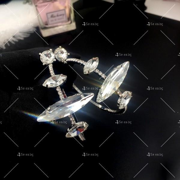 Дамки обеци голям обръч с бели кристали А54 2
