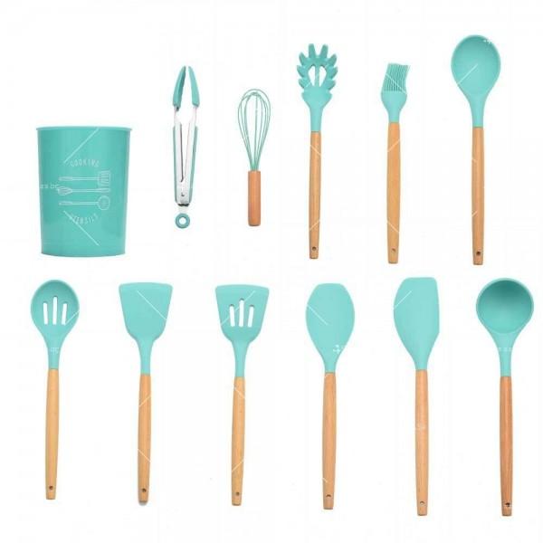 Кокетен силиконов готварски комплект от 9/10/12 части в пастелен цвят 33