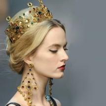 Царска корона в златисто и цветни кристали Ф12