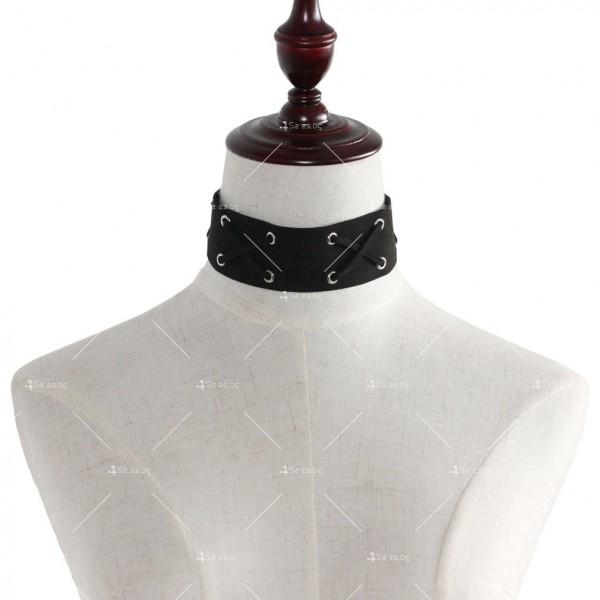 Дамски широк чокър с кръстосани каишки D40 19
