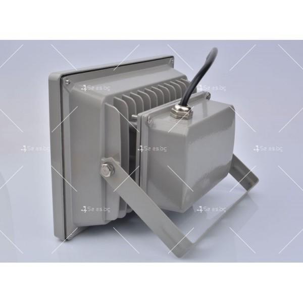 LED прожектор 20 W клас на защита IP65 3