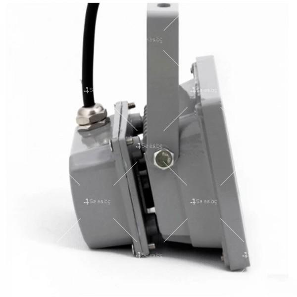 LED прожектор 20 W клас на защита IP65 4
