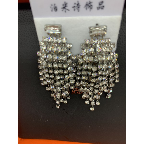 Обеци с кристални елементи тип полюлей А111 2