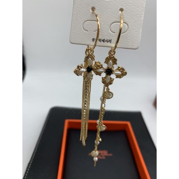 Дамски обеци големи златисти халки с висулка кръстче и синджирчета А116 3