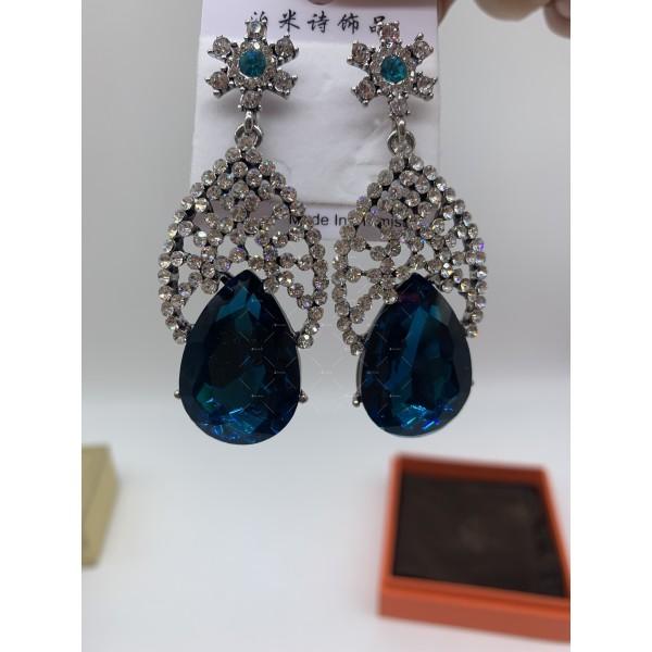 Елегантни дамски обеци с големи сини кристали А127 3