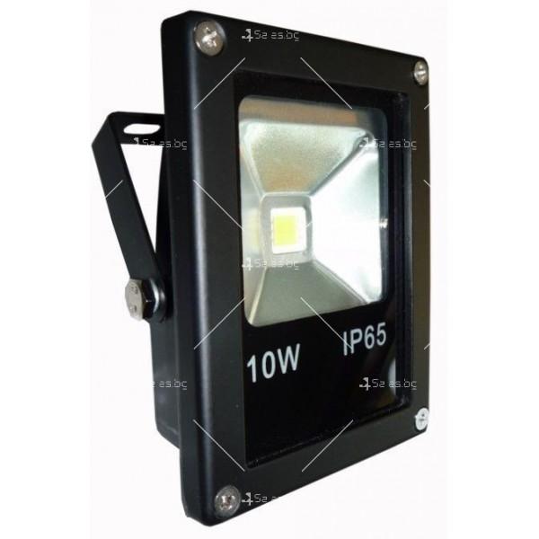 LED прожектор 10 W клас на защита IP65 2