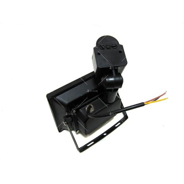 Лед прожектор с PIR датчик 10W, 20W, 30W или 50W клас на защита IP65 GDL7 8