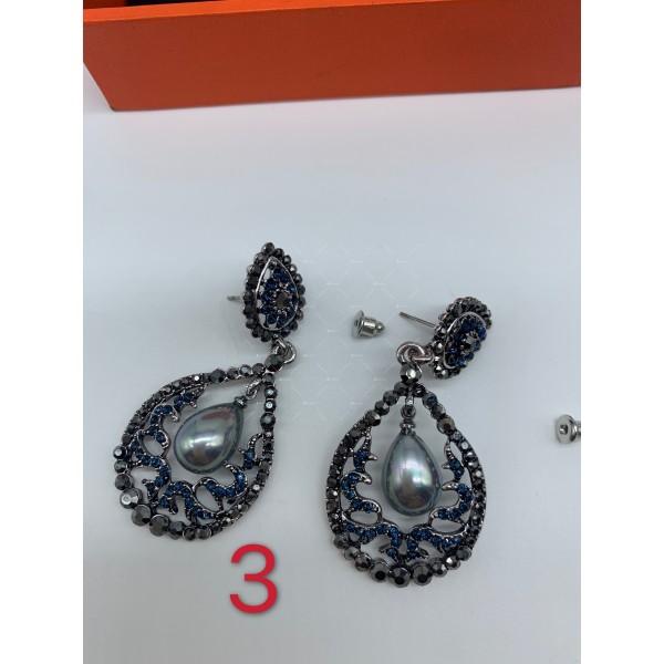 Нестандартни дамски обеци с бели, черни и перлени елементи А151 10