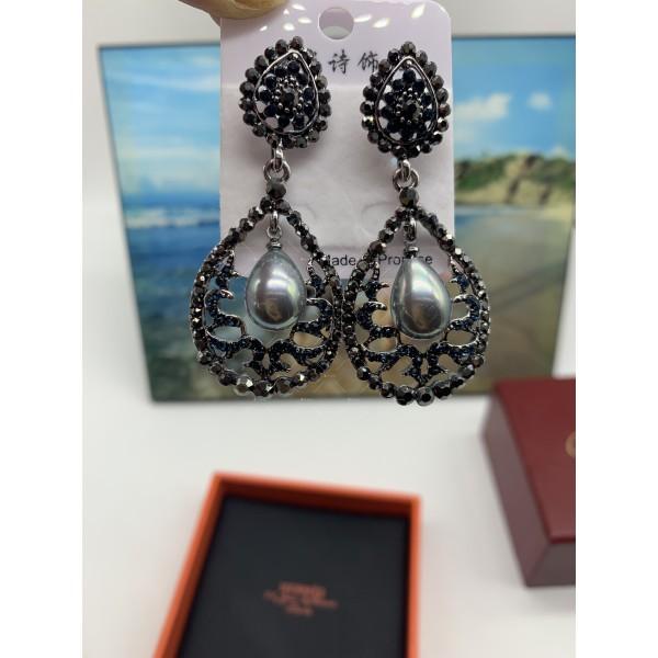 Нестандартни дамски обеци с бели, черни и перлени елементи А151 12