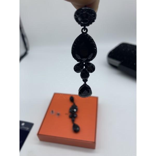 Обеци в черен цвят и кристали в различна форма А156 10