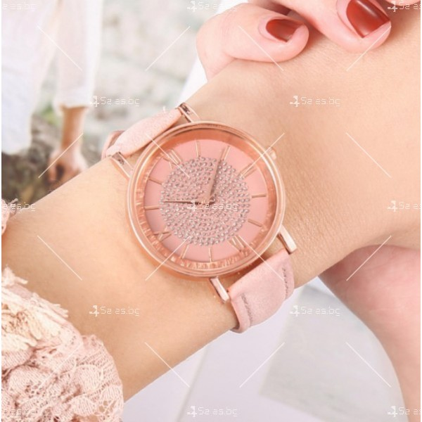 Класически дамски часовник в минималистичен стил W WATCH5 6