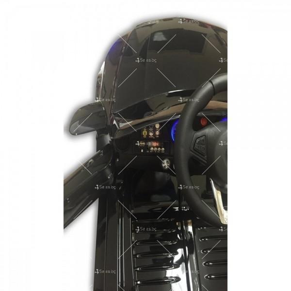 Акумулаторна кола тип Mercedes XMX – 815 отварящи врати 12 V 4