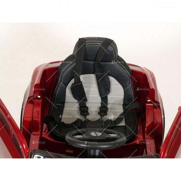 Акумулаторна кола тип Mercedes XMX – 815 отварящи врати 12 V 10