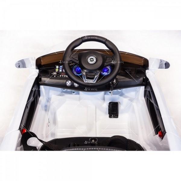 Акумулаторна кола тип Mercedes XMX – 815 отварящи врати 12 V 14