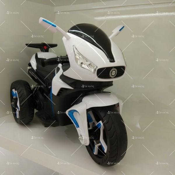 Акумулаторен мотор Shadow 12V с меки гуми и кожена седалка 5
