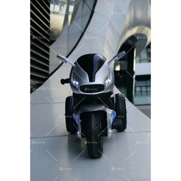 Акумулаторен мотор Shadow 12V с меки гуми и кожена седалка 8