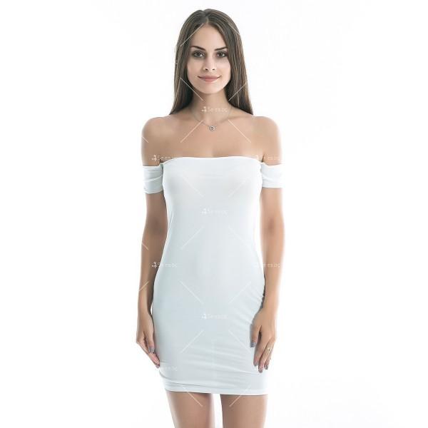 Къса лятна рокля в бяло, еластична по тялото с къс ръкав под рамото FZ2 5