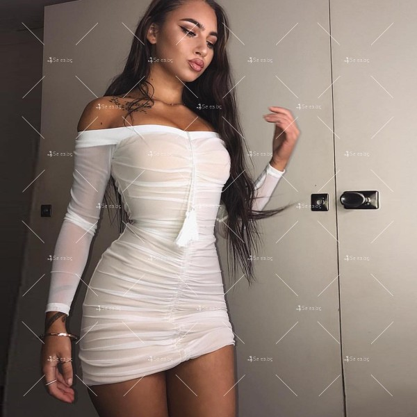 Мини рокля по тялото, с голи рамене и ефирен дълъг ръкав FZ5 4