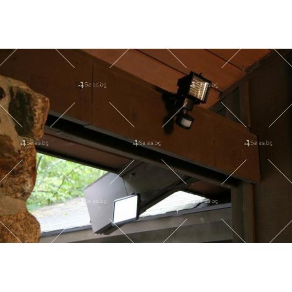 Соларен градински прожектор 60 LED и сензор за движение - H LED12 12