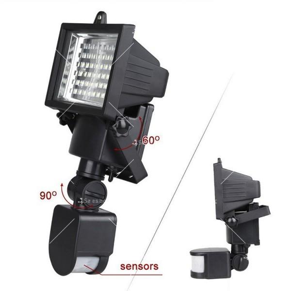 Соларен градински прожектор 60 LED и сензор за движение - H LED12 4