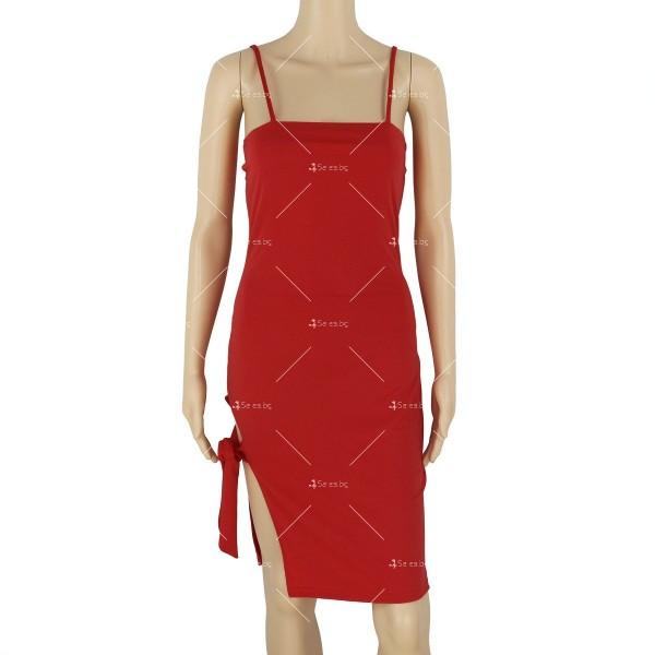 Дамска рокля до коляното с тънки презрамки, по тялото и отворено дясно бедро FZ8 16