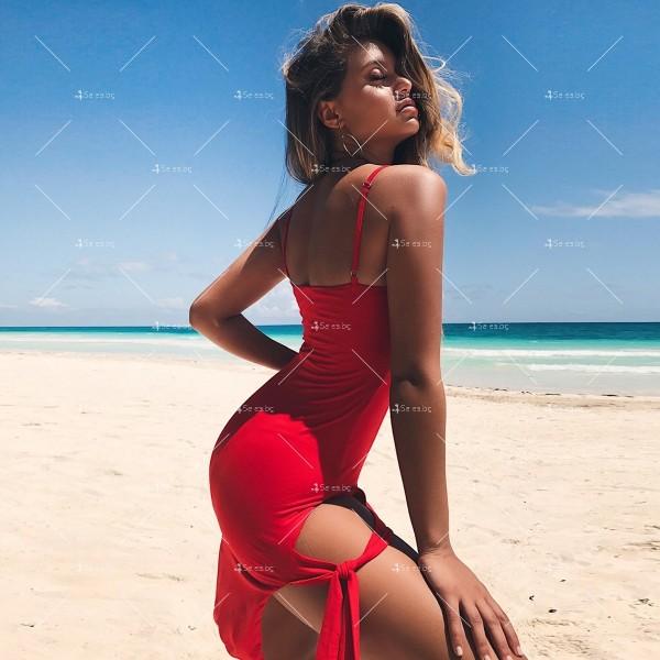Дамска рокля до коляното с тънки презрамки, по тялото и отворено дясно бедро FZ8 19