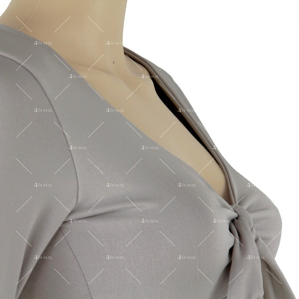 Дамска рокля с отворено V-образно деколте, дълъг ръкав и асиметрична пола FZ11 11