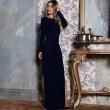 Елегантна дълга рокля с отворен гръб и дълга странична цепка на бедрото FZ12 6