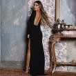 Елегантна дълга рокля с отворен гръб и дълга странична цепка на бедрото FZ12 9