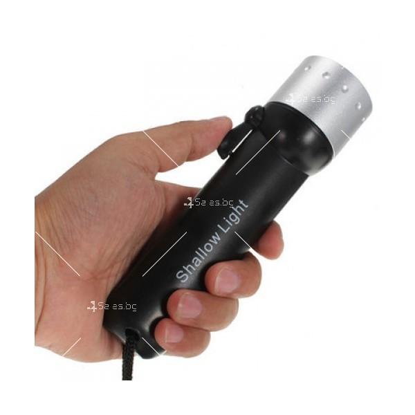 Фенер за водолази с издръжливост до 50 метра дълбочина FL73 31