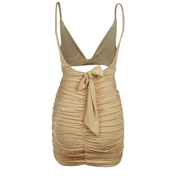 Къса рокля с изрязан корем, V-образно деколте и тънки презрамки FZ51 7