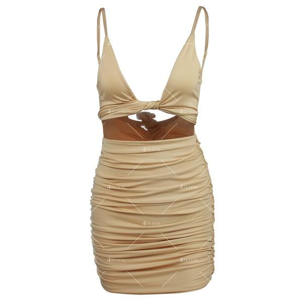 Къса рокля с изрязан корем, V-образно деколте и тънки презрамки FZ51 8