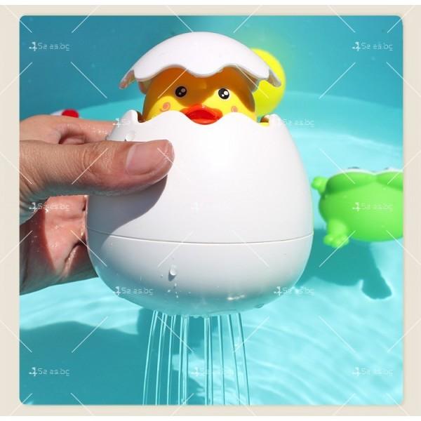 Детска забавна играчка за вана жълто пате в яйце WJ20 4