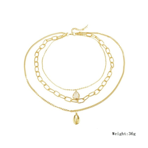 Различни видове дамски колиета в златист цвят с перли - D83 4