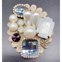 Брошка с кръгла формата, която образува цвете с перли и кристали - E1-4