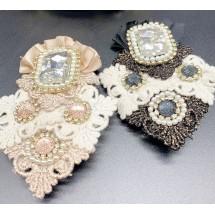 Дамска брошка с интересни мотиви от плат и диаманти в два дизайна - Е2-3
