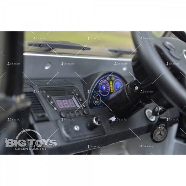 Лицензиран модел акумулаторен детски джип Mercedes G55 AMG 8
