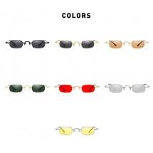 Слънчеви дамски очила в класически стил с издължени стъкла YJ37