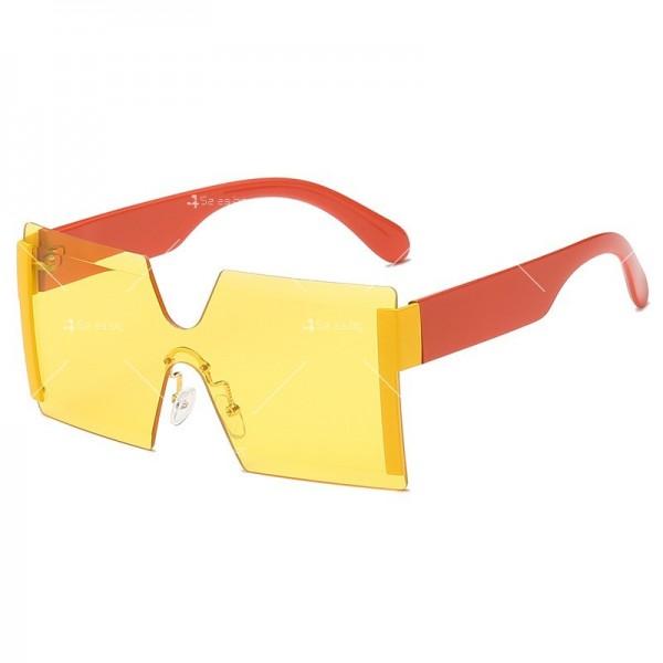 Елегантни дамски слънчеви очила с големи квадратни форми на стъклата YJ76 2