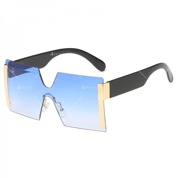 Елегантни дамски слънчеви очила с големи квадратни форми на стъклата YJ76 4