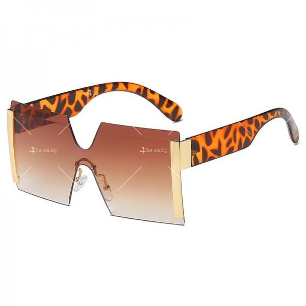 Елегантни дамски слънчеви очила с големи квадратни форми на стъклата YJ76 5