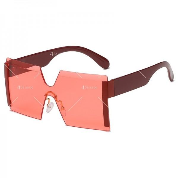 Елегантни дамски слънчеви очила с големи квадратни форми на стъклата YJ76 8