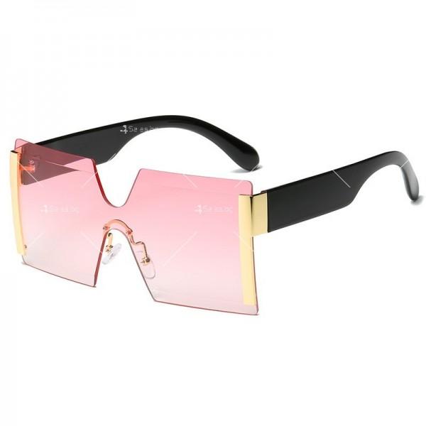 Елегантни дамски слънчеви очила с големи квадратни форми на стъклата YJ76 9