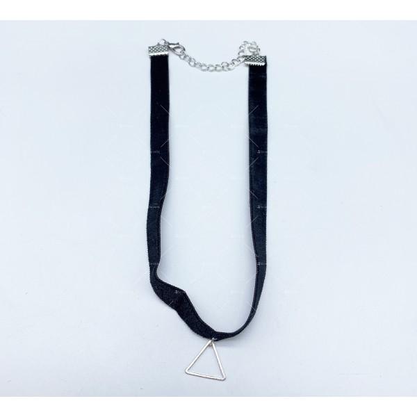 Черен гердан с висулка , закопчаване омар - D105 11