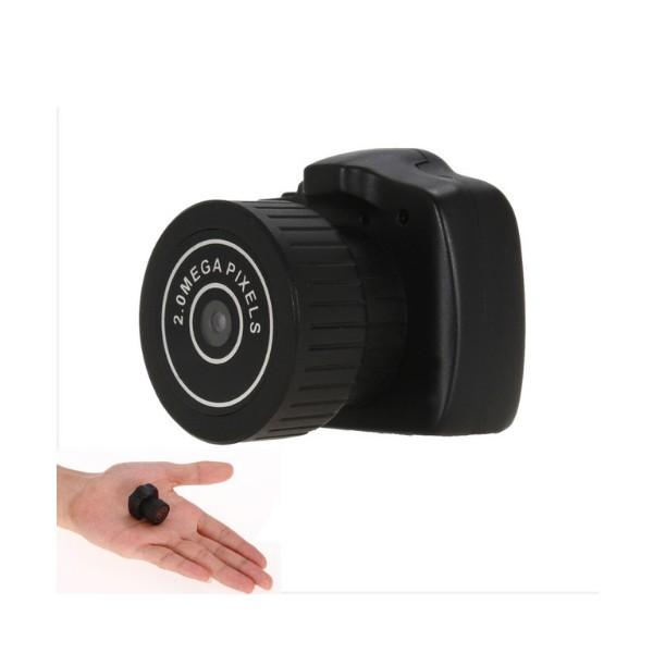Дигитална мини видеокамера – Y2000 с HD резолюция и вграден микрофон,